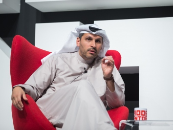 Khaldoon Al Mubarak speaks at 100 Mentors to inspire Zayed University students.